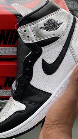 Air Jordan Retro 1 Silver Toe Size 11.5W / Mens 10 for Sale in Nashville,  TN