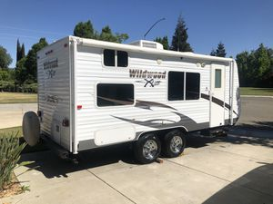 2012 wildwood 21' camper for Sale in Tracy, CA