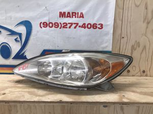 2002-2004 Toyota Camry Headlight LH for Sale in Jurupa Valley, CA