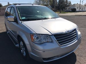 2008 Chrysler Town & Country | LIMITED • Fully Loaded for Sale in Detroit, MI