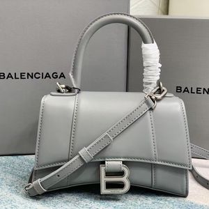 Fashion Handbag for Sale in Menifee, CA