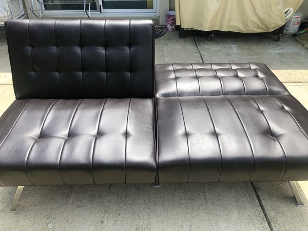 Brown Fox Leather Futon. Like-new! Delivery available! 🚚.
