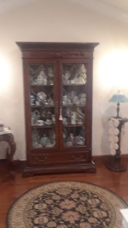 China Cabinet/Display Case for Sale in Rodeo,  CA