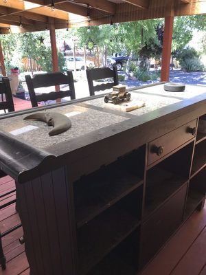 Bar with 3 stools for Sale in Galt, CA