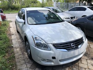 2011 NISSAN ALTIMA CLEAN TITLE for Sale in Hollywood, FL