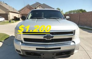 🍁Fully Maintained$1200 I'm Selling URGENT!2011 Silverado 🍁!4WDWheelss!🍁 for Sale in Arlington, VA