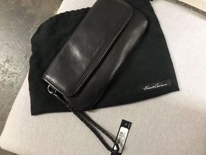 Kenneth Cole Clutch for Sale in Brooklyn, NY