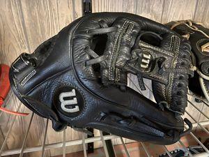"""Wilson A500 11.5"""" baseball glove for Sale in Falls Church, VA"""