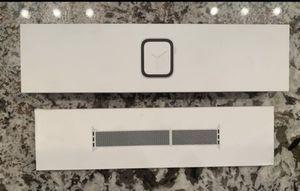 Apple Watch Series 4 (GPS, 40mm) for Sale in Clovis, CA