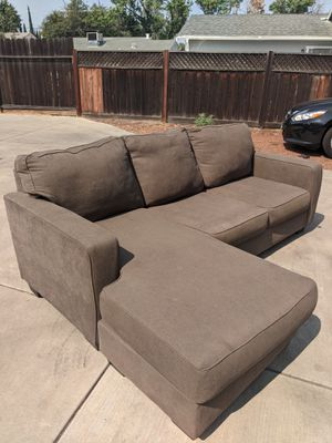 BROWN L SHAPE COUCH for Sale in Tracy, CA