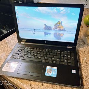 HP i3 Laptop*****FULLY LOADED**** PERFECT FOR WORK OR SCHOOL for Sale in Riverside, CA