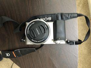 Sony a6000 silver camera for Sale in Alameda, CA