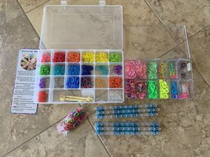 Arts and crafts - Rainbow loom to make bracelets for Sale in Temecula, CA