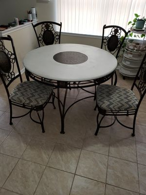 Table and chairs for Sale in Browns Mills, NJ