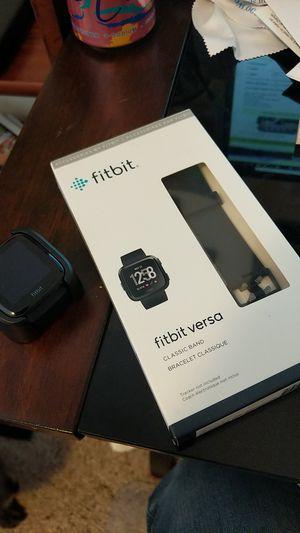 New Fitbit versa w/ new small band for Sale in Black Diamond, WA
