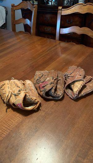 Baseball gloves for Sale in Oakland Park, FL