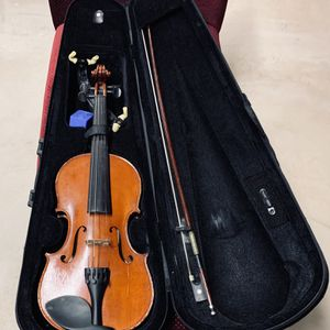 3/4 size violin with bow in it's original travel case for Sale in Princeton, NJ