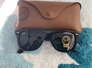 Brand New Authentic RayBan Wayfarer Sunglasses for Sale in Lakewood, CA