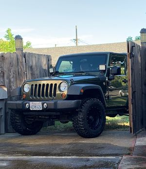 2008 Jeep Wrangler two door 150,000 miles 2 1/2 inch Rubicon lift on 33 inch Procomp tires for Sale in West Sacramento, CA