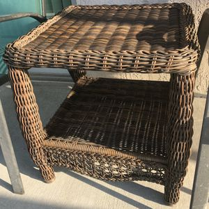 Pier 1 Imports brown whicker indoor outdoor table end table for Sale in Miami, FL