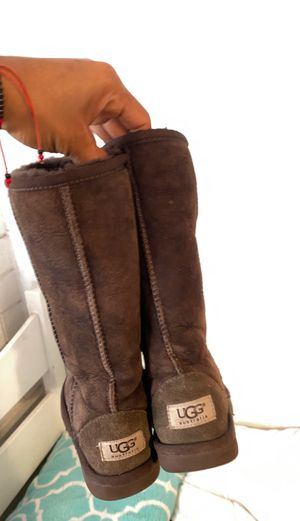 UGG girl boots size 13 for Sale in Phoenix, AZ