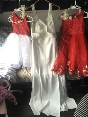 Wedding dress with flower girl dresss for Sale in San Leandro, CA