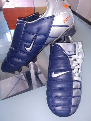Vintage Nike air Zoom total 90 FG soccer cleats size 6 for Sale in Fontana, CA