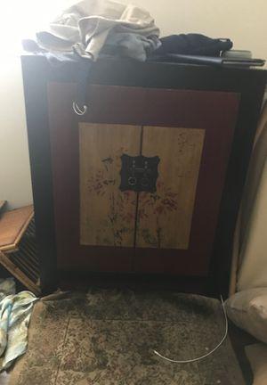 Zen cabinet like new for Sale in Boynton Beach, FL