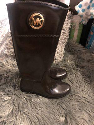 MK rain boots size 8 for Sale in Salt Lake City, UT