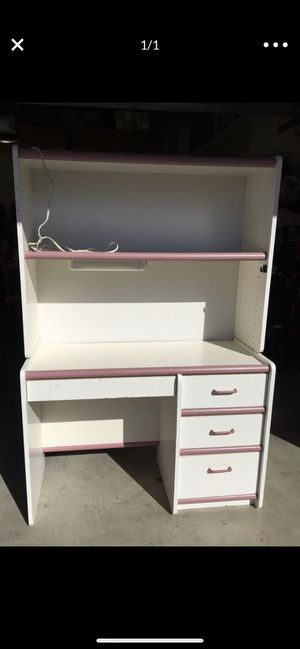 Girls desk for Sale in San Diego, CA