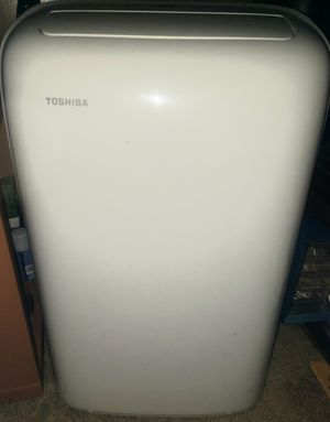 Toshiba portable AC/Dehumidifier 10,000 BTU for Sale in Lynnwood, WA