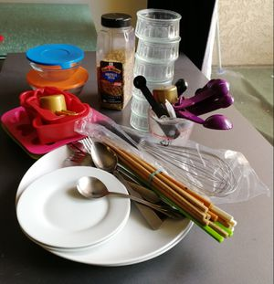assorted kitchen and baking stuff for Sale in Los Angeles, CA