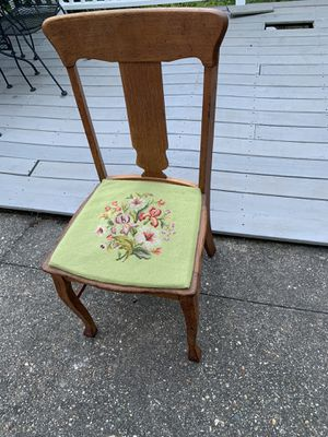 Vintage oak chair with unique needle point for Sale in Cinnaminson, NJ