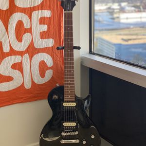 Electric Guitar for Sale in Portsmouth, VA