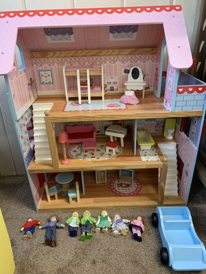 Doll house and accessories for Sale in Carol Stream, IL
