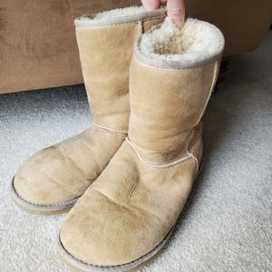 UGG Classic Short Boots for Sale in Marlboro Township, NJ