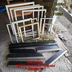 9 Pic Frames & wood pieces for Sale in Edinburg, TX