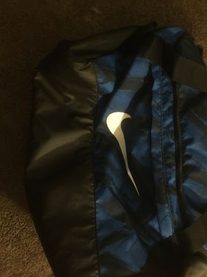 Nike duffle bag for Sale in Cleveland, OH