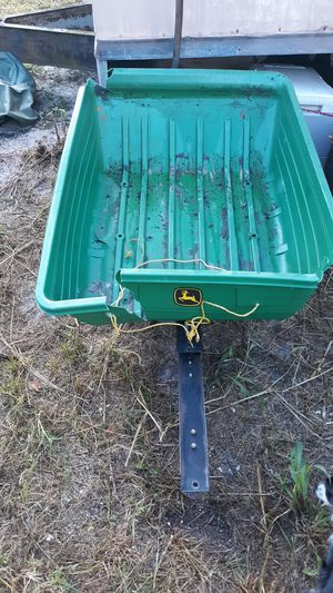 This is a John Deere trailer for your riding lawn mower are tractor for Sale in Davenport, FL