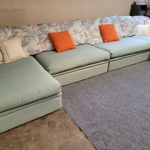 Beautiful Blue Sectional Couch for Sale in Renton, WA