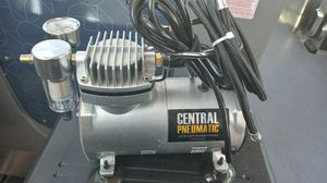 Air. Brush compressor with 7pc quick change bottles for Sale in Fresno, CA