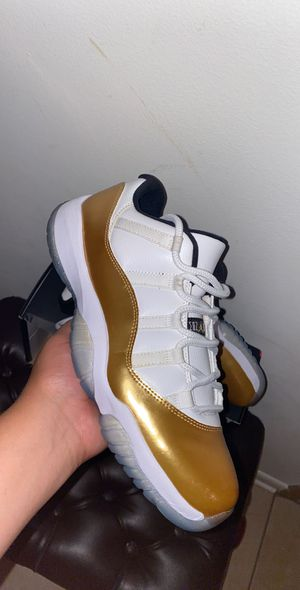 Jordan 11 ~ jordan 11 low~ size 10.5 vnds for Sale in Chicago, IL