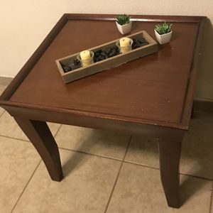 Square End Table for Sale in Albuquerque, NM