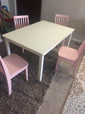 Kids chair and table for Sale in Carpentersville, IL