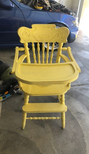 High chair antique for Sale in Las Vegas, NV