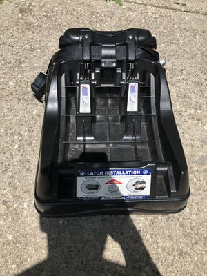 Baby trend car seat base for Sale in Buffalo, NY