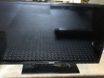 """Samsung 24"""" TV for Sale in Portland,  OR"""