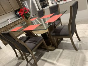 Dinning table for Sale in Chino, CA