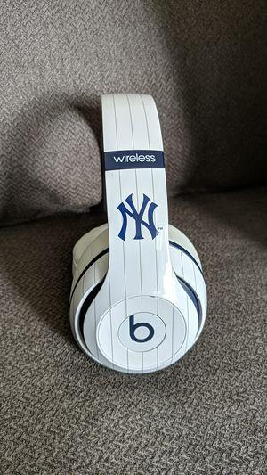 Rare & Authentic New York Yankees Beats Studio 2 Wireless Headphones for Sale in Northville, MI