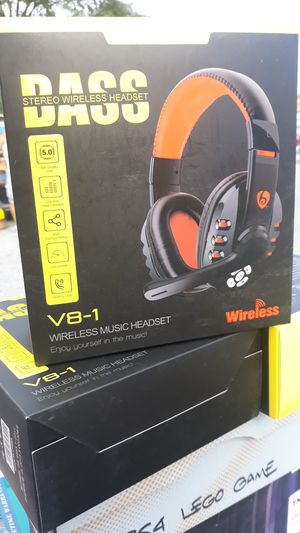 Wireless bluetooth headsets for Sale in Harrisburg, PA